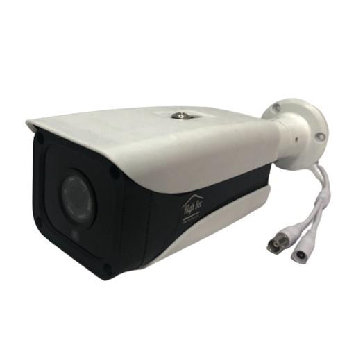 دوربین 2 مگاپیکسل بوده و مناسب محیطهای بیرونی است و بدلیل جنس فلزی